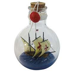 Barcos em garrafa